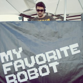 MY FAVORITE ROBOT 12.06.2012